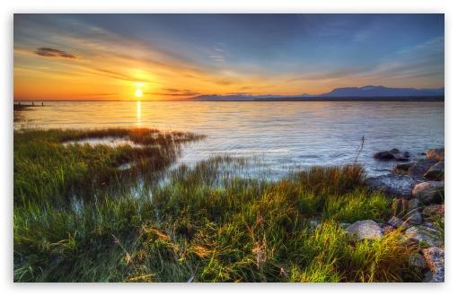 Download Grass Lake HDR UltraHD Wallpaper