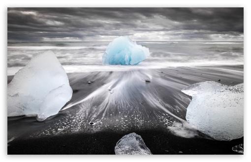 Download famous Diamond Beach, Iceland UltraHD Wallpaper