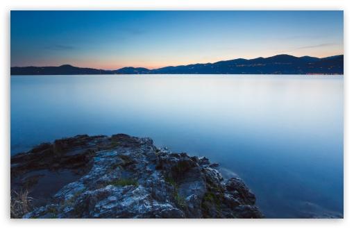 Download Calm Lake, Evening UltraHD Wallpaper