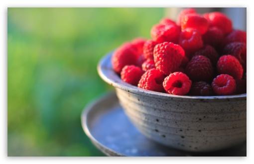 Download Fresh Raspberries UltraHD Wallpaper