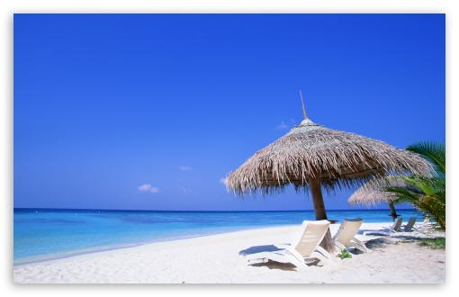 Download Sunbeds On The Beach UltraHD Wallpaper