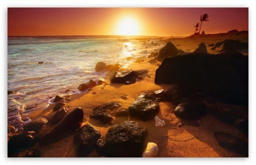 Download Empty Beach With Sun UltraHD Wallpaper