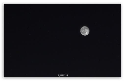 Download Moon and Ursa Major UltraHD Wallpaper