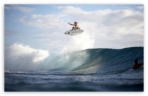 Download Extreme Surfing UltraHD Wallpaper