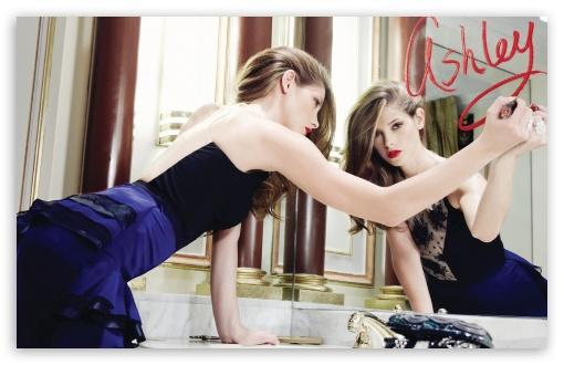 Download Ashley Greene Hot UltraHD Wallpaper