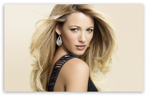 Download Blake Lively Hot UltraHD Wallpaper