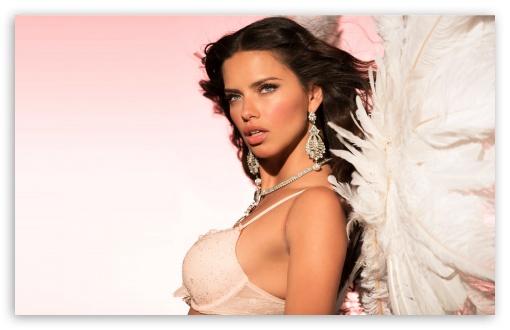 Download Adriana Lima UltraHD Wallpaper