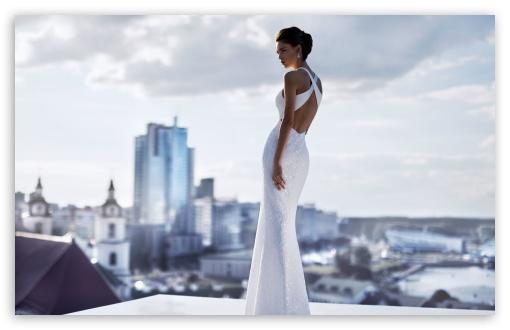 Download Fashion Model in a Beautiful White Dress UltraHD Wallpaper