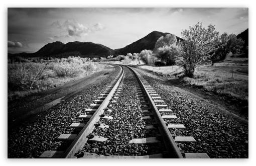 Download I'd Walk Along The Railway UltraHD Wallpaper