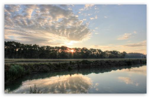 Download Morning at the Lake UltraHD Wallpaper