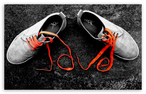 Download Love Shoes UltraHD Wallpaper
