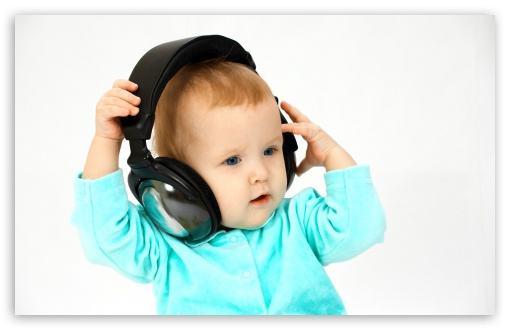 Download DJ Baby UltraHD Wallpaper