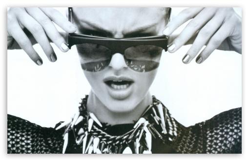 Download Candice Swanepoel Sunglasses BW UltraHD Wallpaper