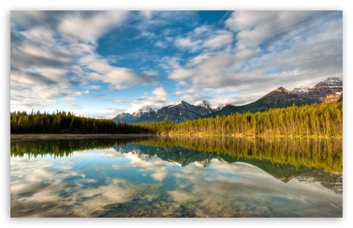 Download Mountainscape Reflection UltraHD Wallpaper