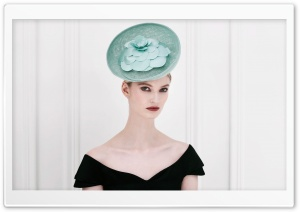 Woman Wearing a Fascinator
