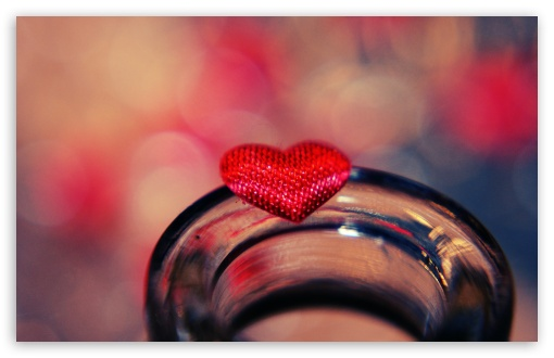 Download Valentine Heart UltraHD Wallpaper
