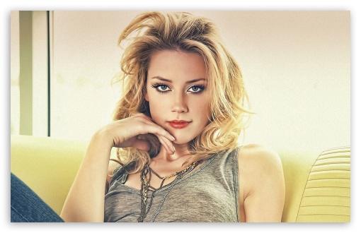 Download Amber Heard Hot UltraHD Wallpaper