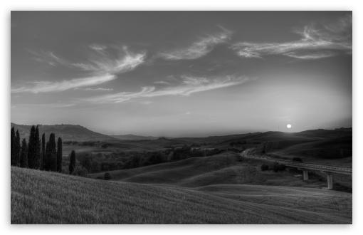 Download Tuscany Landscape Monochrome UltraHD Wallpaper