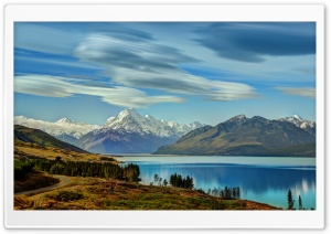The Road to Mount Cook along...