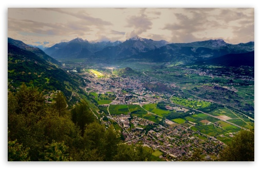 Download Swiss Valley UltraHD Wallpaper