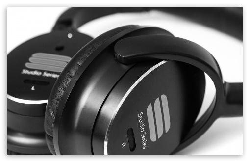 Download Headphones UltraHD Wallpaper