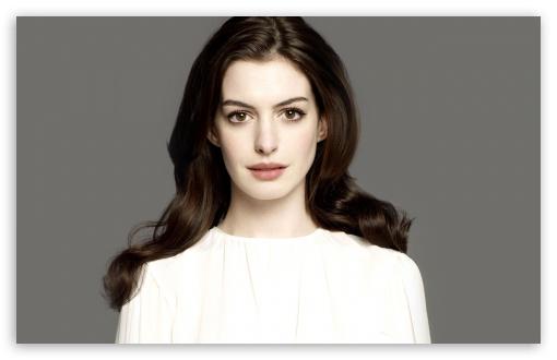 Download Anne Hathaway Portrait UltraHD Wallpaper