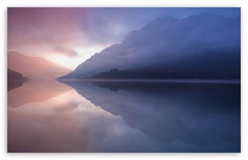 Download Reflection In Water UltraHD Wallpaper