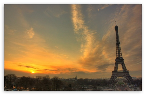 Download Eiffel Tower At Sunset UltraHD Wallpaper