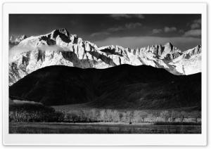 Mountains Monochrome
