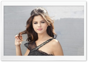 Selena Gomez 2011 (EN-LOVE)