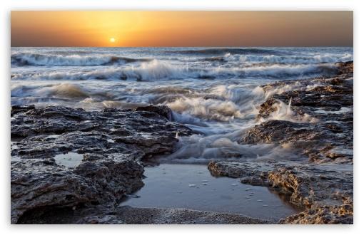 Download Morning Sea Waves UltraHD Wallpaper