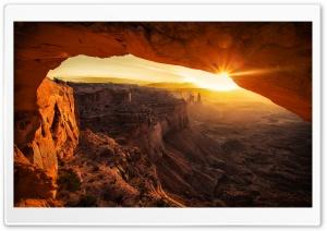 Canyonlands Cave Sunset