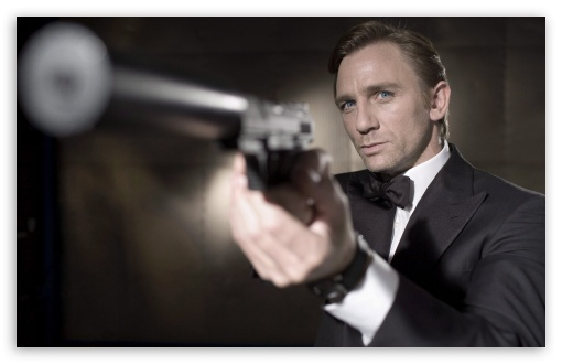 Download James Bond Casino Royale UltraHD Wallpaper