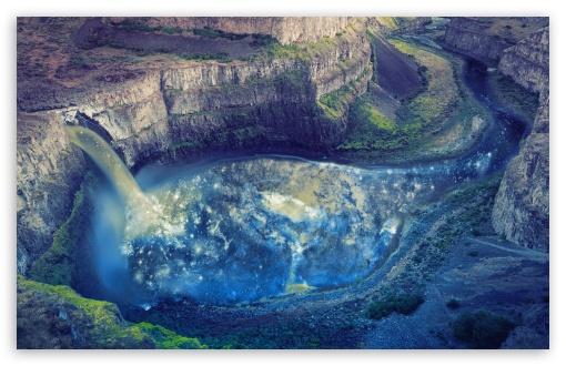 Download Waterfall UltraHD Wallpaper