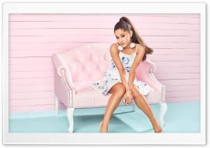 Ariana Grande Photoshot