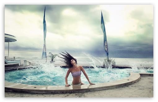 Download Pool Waves UltraHD Wallpaper