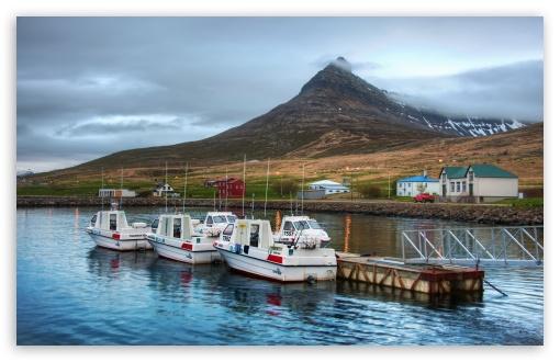 Download Boats At The Harbor UltraHD Wallpaper