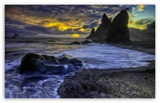 Download Dark Clouds Over Ocean HDR UltraHD Wallpaper