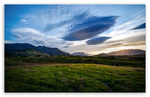 Download The Fields of the Queenstown Valley UltraHD Wallpaper
