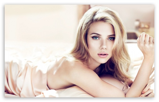 Download Scarlett Johansson Beautiful UltraHD Wallpaper