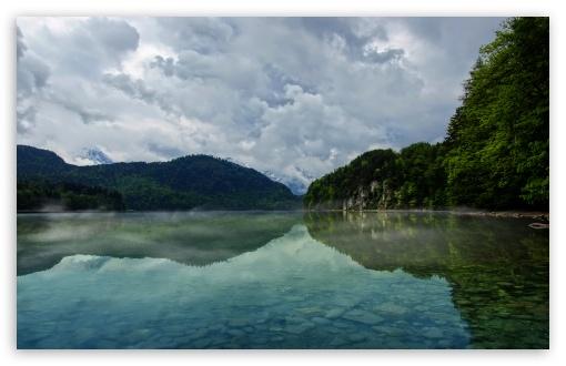 Download Cloudy Mountain Landscape UltraHD Wallpaper