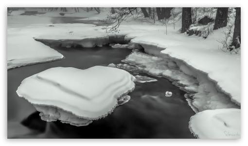 Download Ice Heart River UltraHD Wallpaper