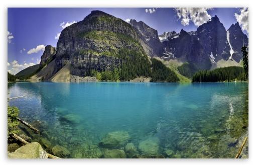 Download Beautiful Moraine Lake in Banff National... UltraHD Wallpaper
