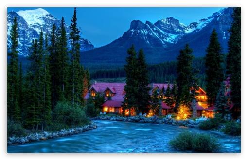 Download Mountain Resort UltraHD Wallpaper