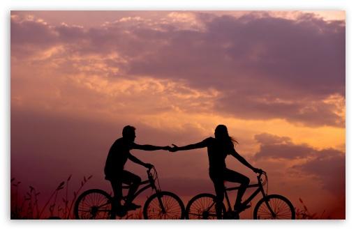 Download Romantic Bike Ride with Lover UltraHD Wallpaper