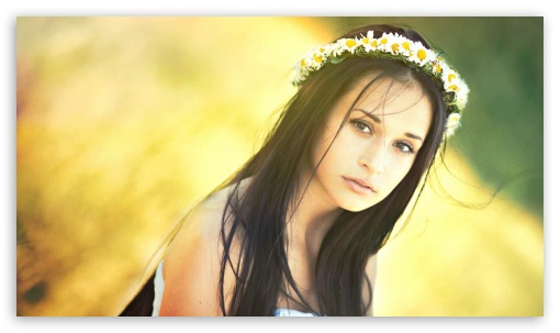 Download Beautiful girl UltraHD Wallpaper