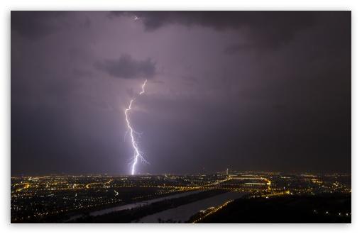 Download Lightning, Vienna UltraHD Wallpaper