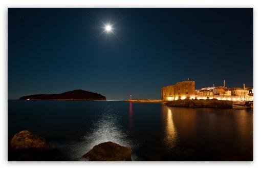 Download Night Photo UltraHD Wallpaper