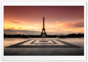 Sunrise at the Eiffel Tower