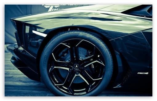 Download Lamborghini Aventador LP700 UltraHD Wallpaper